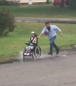 dad-pushes-wheelchair-bound-daughter-2