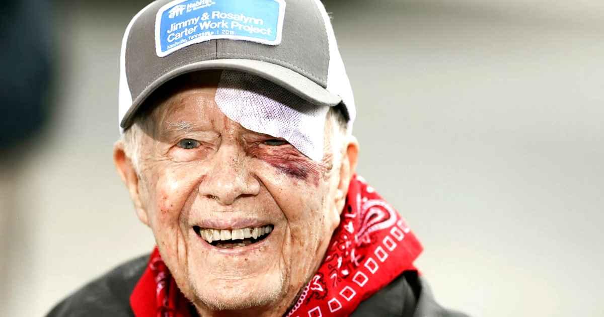 Former President Jimmy Carter Builds Habitat For Humanity