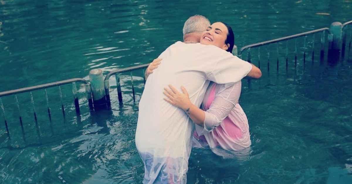 demi-lovato-baptism-2