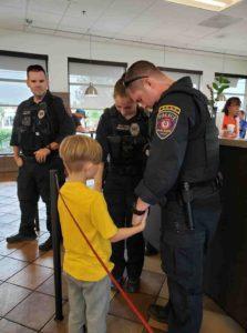 toddler-officers-prayer