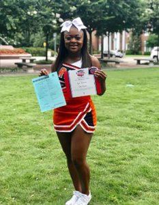 cheerleader-saves-choking-child-2