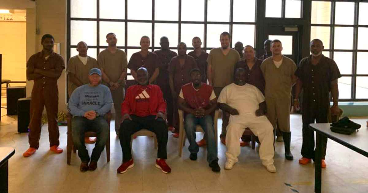south-carolina-jail-inmates-baptism-6