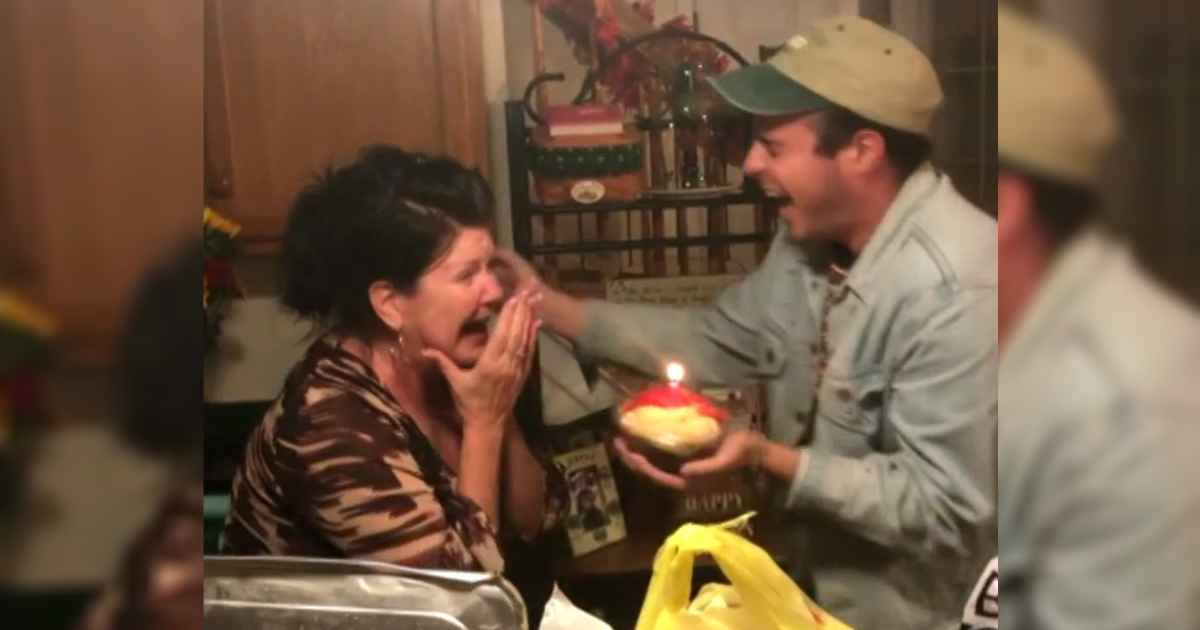 children-surprises-mom-on-birthday