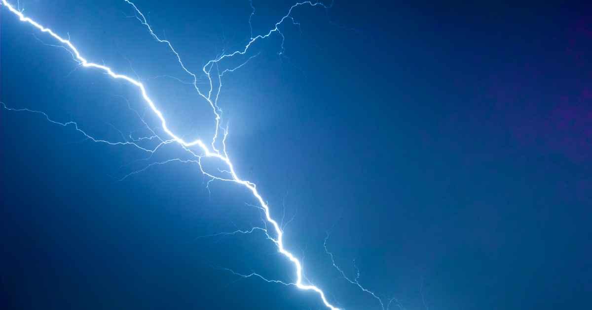 god-saves-woman-lightning