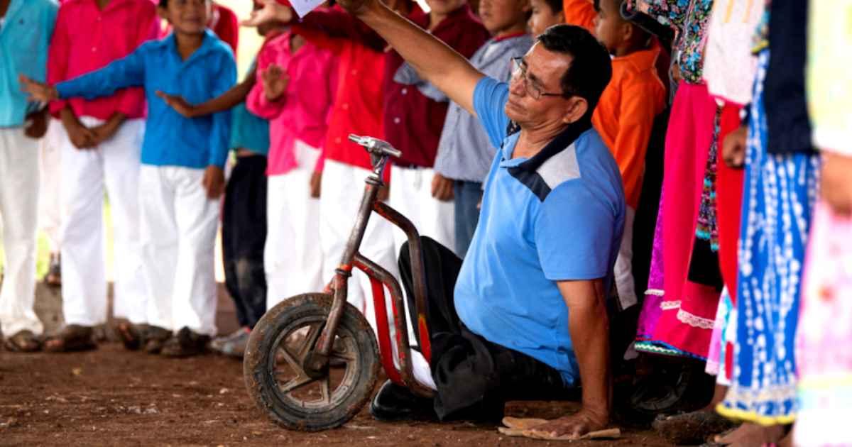 disabled-pastor-christmas-shoebox