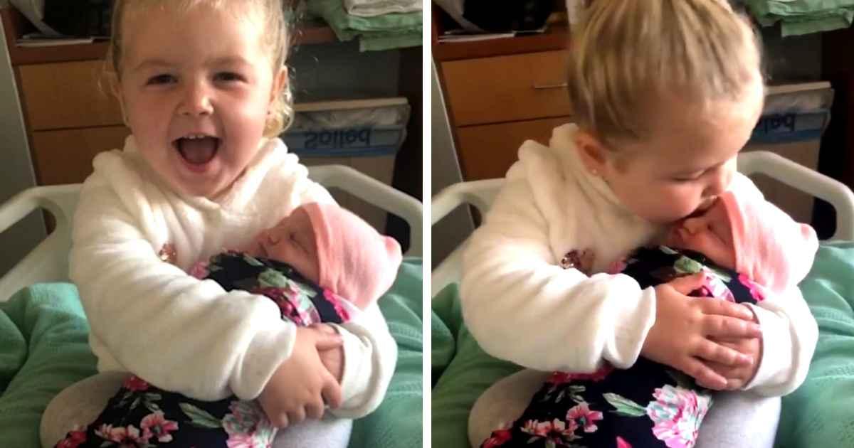 molly-meets-baby-sister