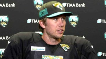 nick-foles-glorify-god