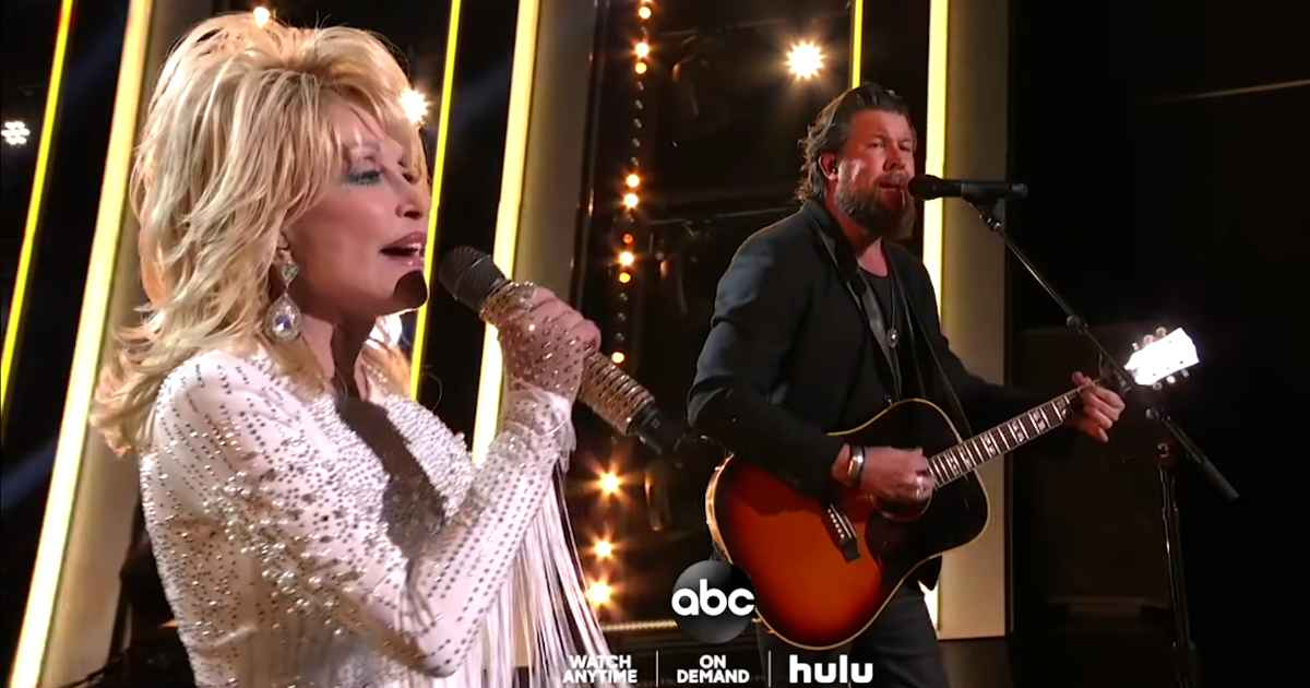 Zach Williams And Dolly Parton Lift Up The Name Of Jesus At 2019 CMA Awards Singing 'There Was Jesus'