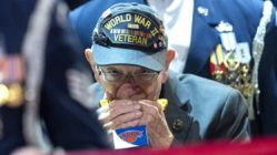 veteran-harmonica-national-anthem-2