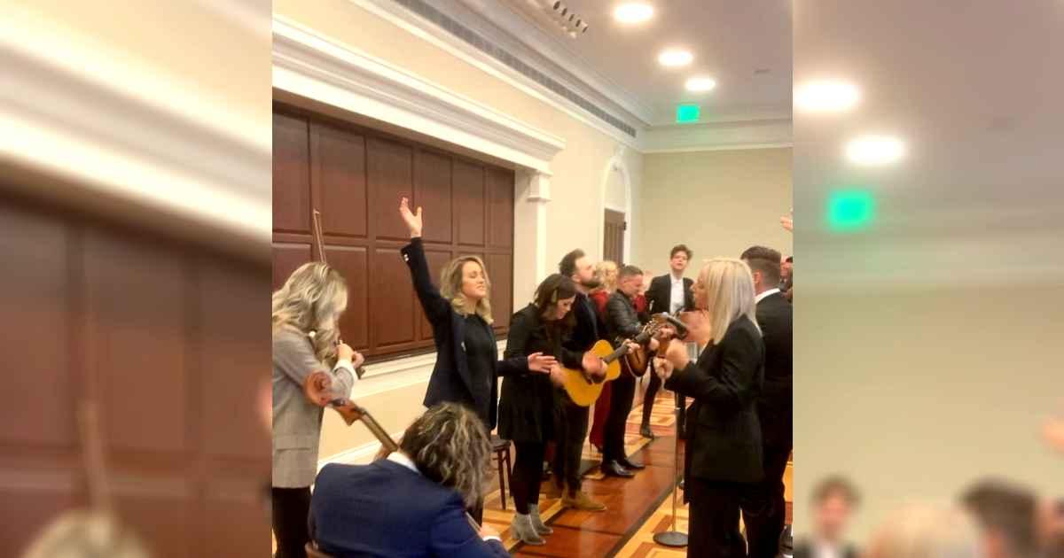 whitehouse-worship-sean-feucht