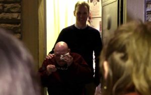 bbc-lonely-man-christmas-surprise-2