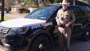 texas-officer-pray-3