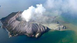 new-zealand-volcano-white-island