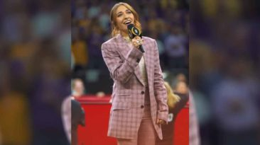 lauren-daigle-national-anthem