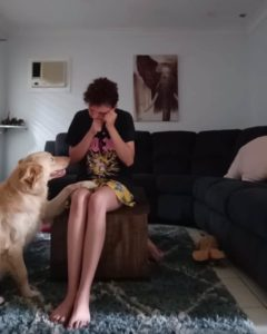 service-dog-helps-panic-attack-2