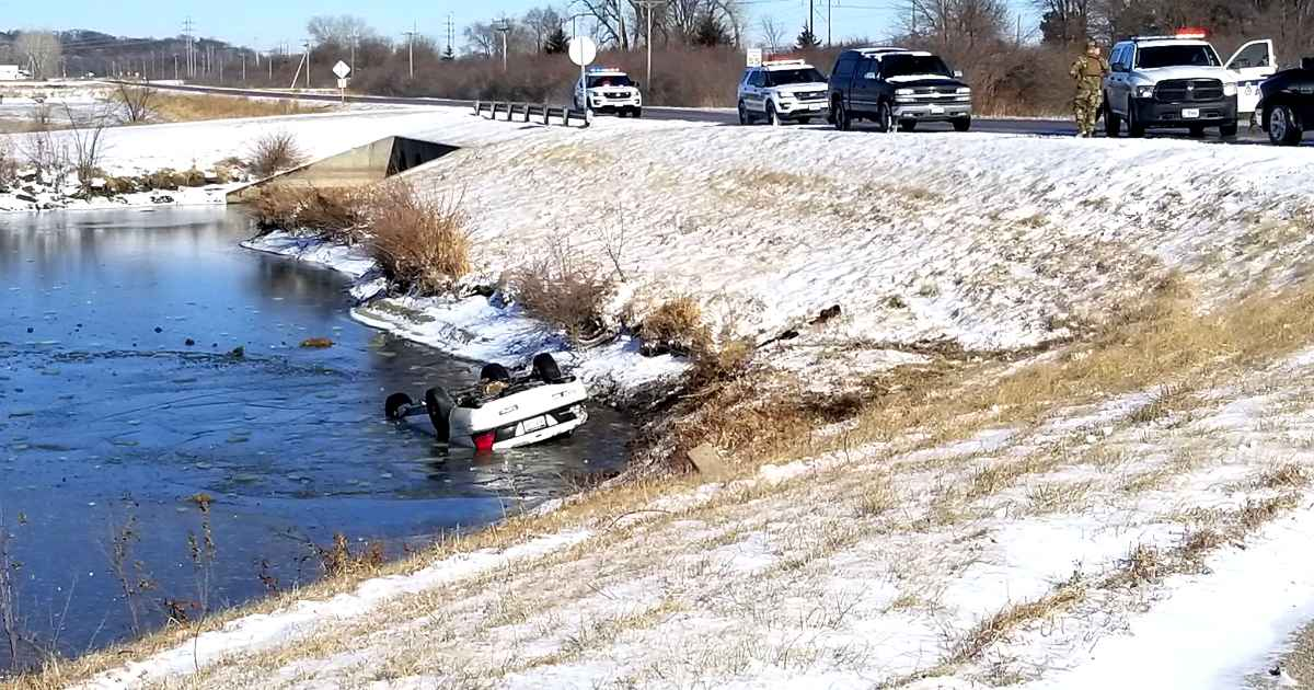 nebraska-man-saves-men-from-overturned-car