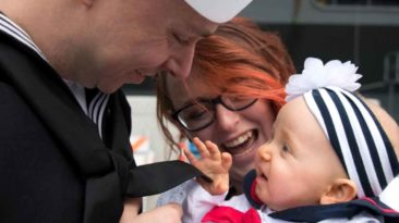 uss-lincoln-sailors-meet-babies