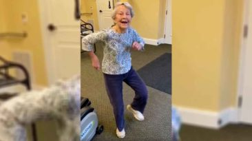 elderly-woman-dancing-end-of-therapy
