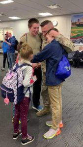 Army-dad-surprises-sons-2