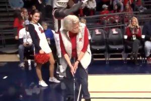 84-year-old-grandma-sinks-putt