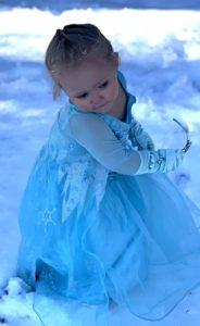 little-girl-frozen-snow-video-2