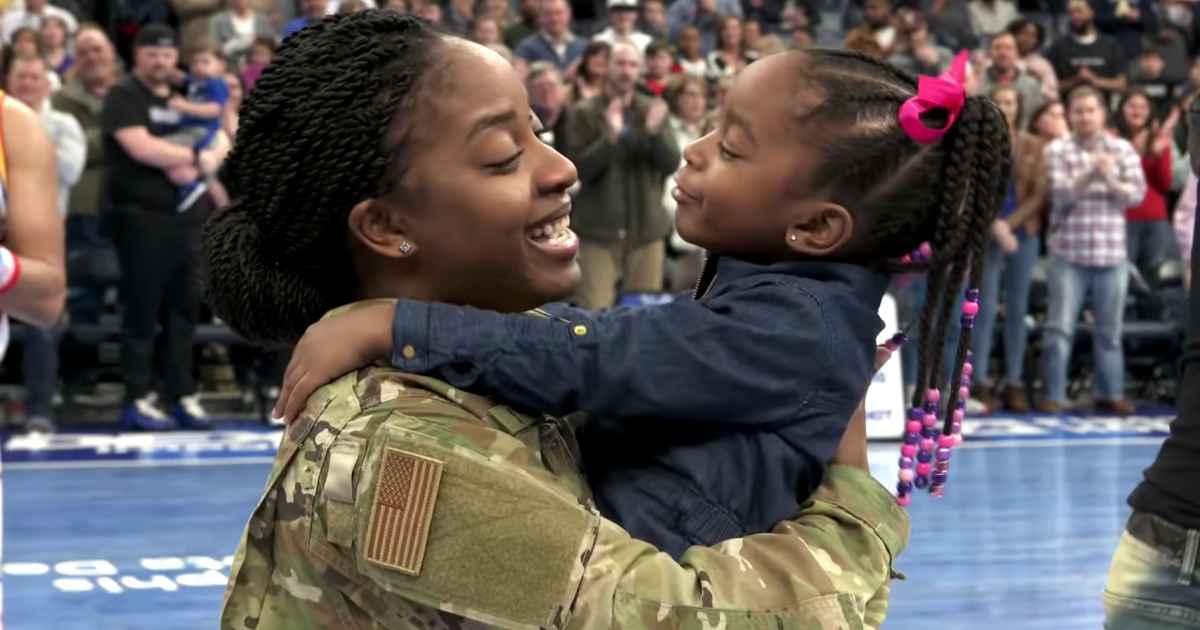 military-mom-surprises-daughter-harlem-globetrotters