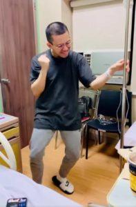 man-dances-before-chemo-2