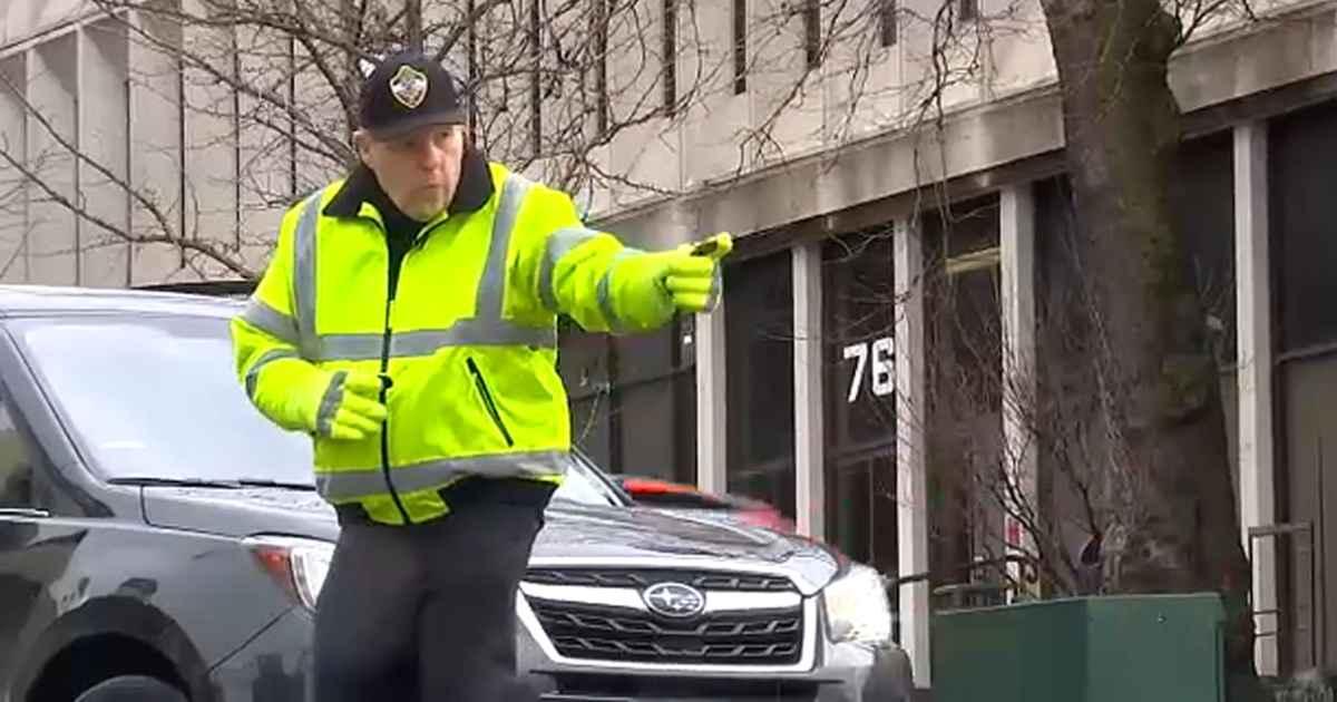 new-jersey-dancing-cop