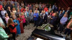 amazing-grace-gaither-vocal-band