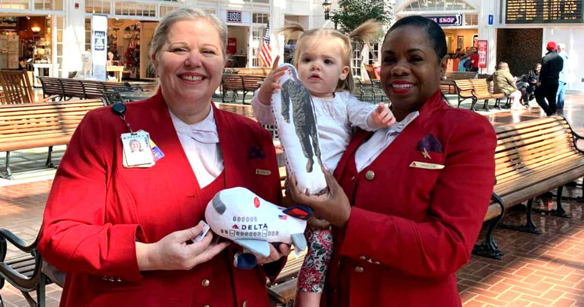 delta-employees-reunite-little-girl-lost-military-dad-doll