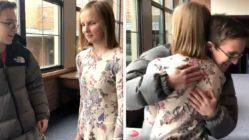 teen-promposals-to-blind-girlfriend