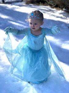 little-girl-frozen-snow-video