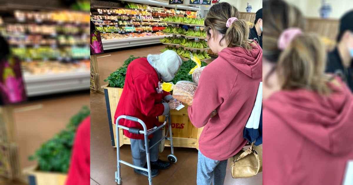 girl-helps-scared-elderly-couple-shop