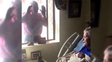 man-sings-amazing-grace-to-wife-with-alzheimer's