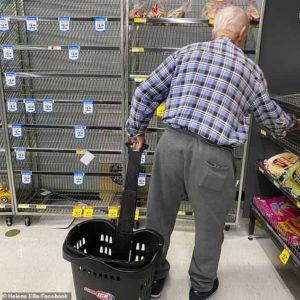 elderly-man-shopping