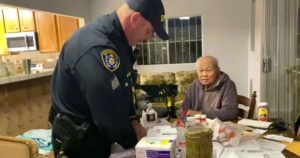 california-policen-buys-groceries-for-elderly