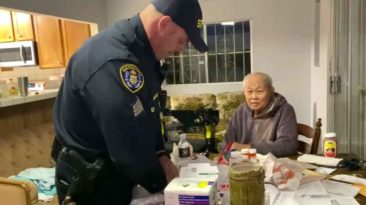 california-policen-buys-groceries-for-elderly