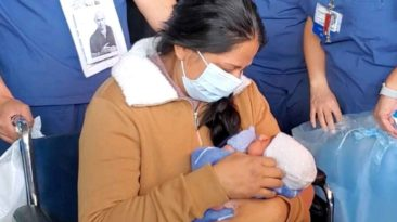 coronavirus-survivor-meets-baby-for-first-time