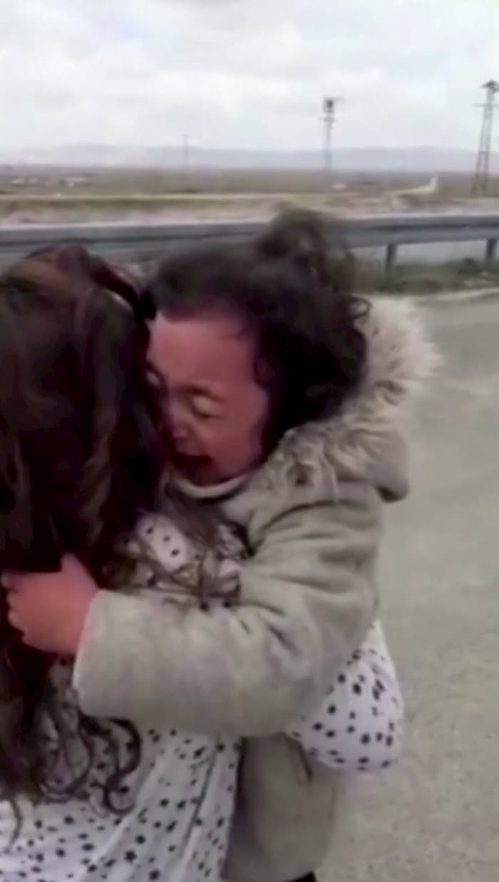 nurse-reunites-with-daughter