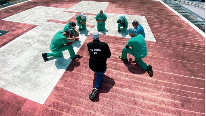 Jackson-Health-System-nurses-pray