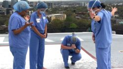 nashville-nurses-pray-at-helipad