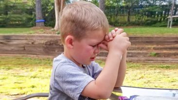 boy-prays-for-grandfather-Owen