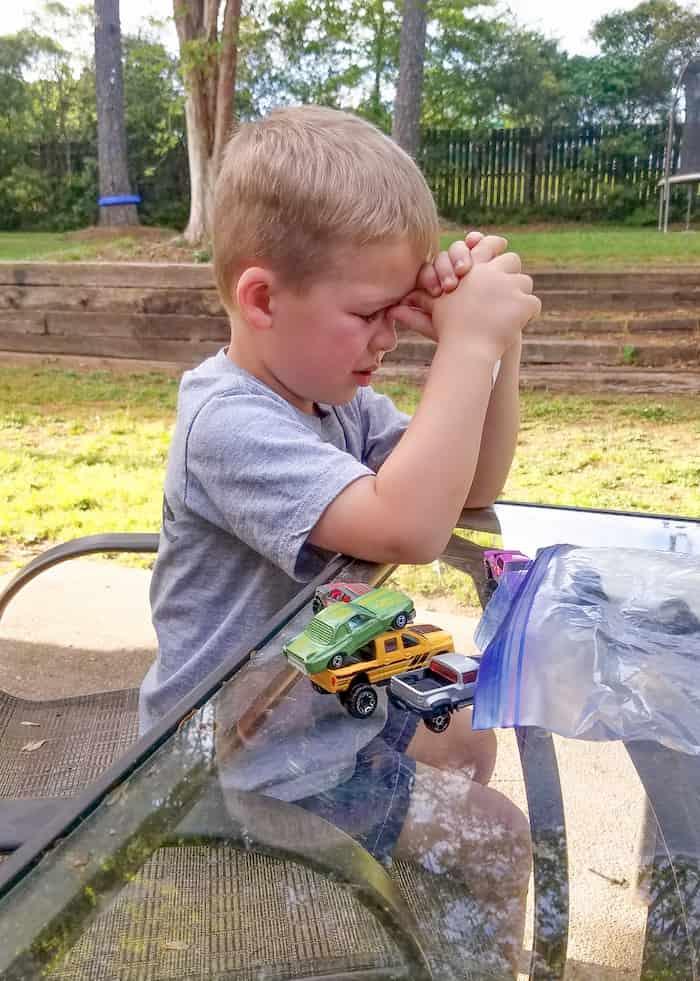 boy-prays-for-grandfather