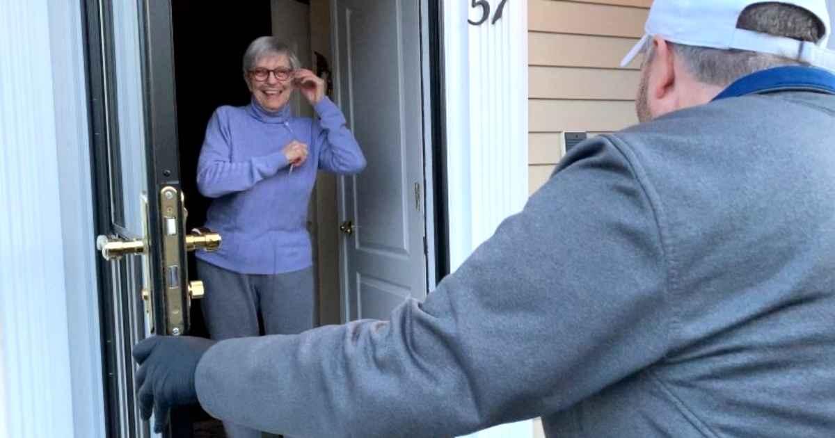 newspaper-delivery-man-brings-groceries