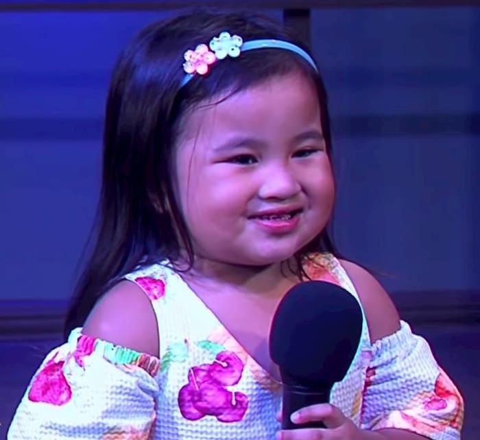2-year-old-singing-10000-reasons-sophia-siban-2