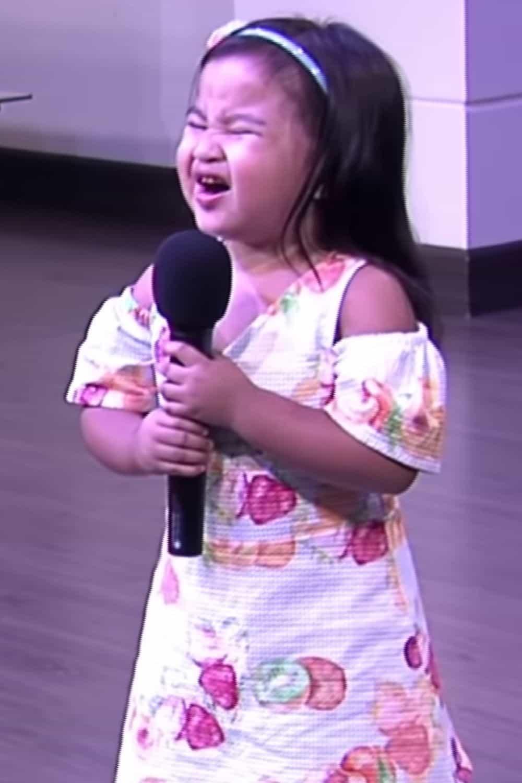 2-year-old-sings-10000-reasons