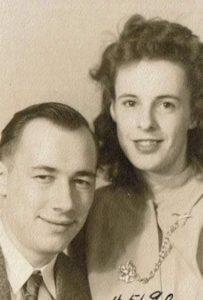 couple-dies-holding-hands-coronavirus-2