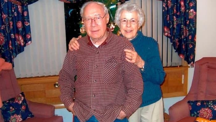 couple-dies-holding-hands-coronavirus-4