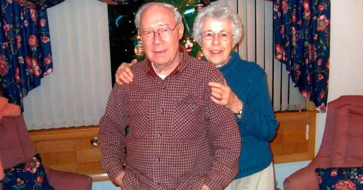 couple-dies-holding-hands-coronavirus