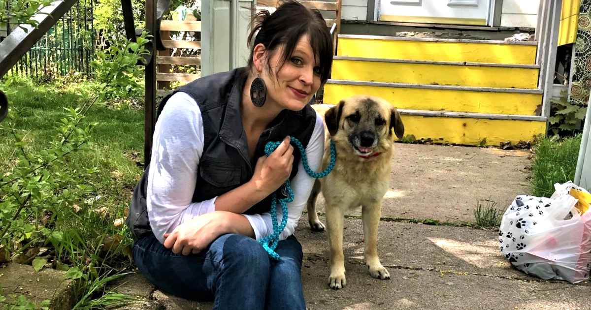 dog-returns-to-foster-mom